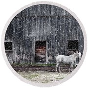 White Horse In A Snowstorm  Round Beach Towel