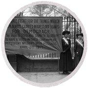 White House: Suffragettes Round Beach Towel