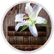 White Lily On Antique Books Round Beach Towel