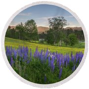 White Mountain Sunset Round Beach Towel