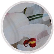 White Orchid Light Background Middle Section Round Beach Towel