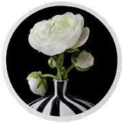 White Ranunculus In Black And White Vase Round Beach Towel
