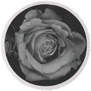 White Rose In Black And White Round Beach Towel