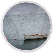 White Rowboat And Seagull Round Beach Towel
