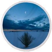 White Sands Moonrise Round Beach Towel