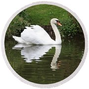 White Swan In Belgium Park Round Beach Towel