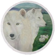 White Wolves Guarding Their Pups Round Beach Towel