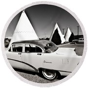Wigwam Motel Classic Car #2 Round Beach Towel