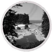 Wild Cove Round Beach Towel