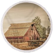 Wild West Barn And Hay Wagon Round Beach Towel
