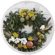 Williamsburg Wreath 09b Round Beach Towel