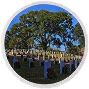 Wilmington National Cemetery Christmas Round Beach Towel