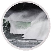Wind And Waves In Oregon Round Beach Towel