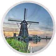 Windmill At Kinderdijk Round Beach Towel