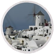 Windmills Of Santorini Round Beach Towel
