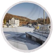 Winter At Bowling Harbour Round Beach Towel