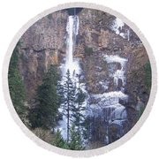 Winter At Multnomah Falls Round Beach Towel
