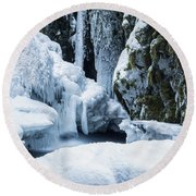 Winter At Virgin Creek Falls Round Beach Towel