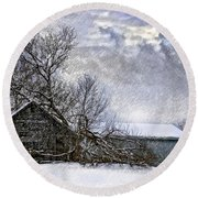 Winter Farm Round Beach Towel