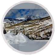 Winter In East Vail Round Beach Towel