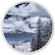 Winter On 89a Round Beach Towel