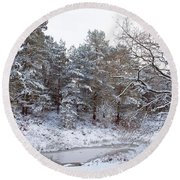 Winter On The Chase Round Beach Towel