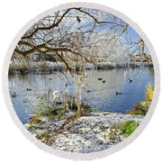 Wintry River At Newton Road Park Round Beach Towel