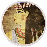Woman Of Ancient Egypt Round Beach Towel