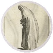 Woman With Long Veil Round Beach Towel