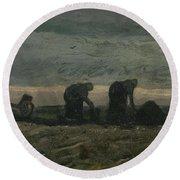 Women On The Peat Moor Nieuw Amsterdam, October 1883 Vincent Van Gogh 1853 - 1890 Round Beach Towel