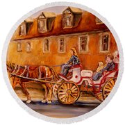 Wonderful Carriage Ride Round Beach Towel