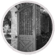 Wooden Garden Door B W Round Beach Towel