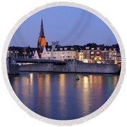Wyck In Maastricht In The Evening Round Beach Towel