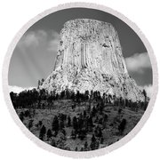 Wyoming Devils Tower National Monument With Climbers Bw Round Beach Towel