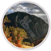 Y Mountain Above Provo Utah At Sunset Round Beach Towel