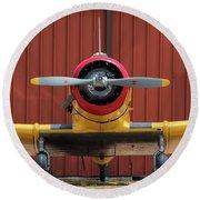Yale And Hangar - 2018 Christopher Buff, Www.aviationbuff.com Round Beach Towel