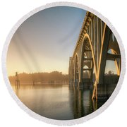 Yaquina Bay Bridge - Golden Light 0634 Round Beach Towel