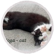 Yoga - Cat Round Beach Towel