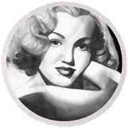 Young Marilyn Round Beach Towel