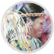 Young Polynesian Mama Round Beach Towel