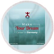 Free Study Abroad Consultant Round Beach Towel
