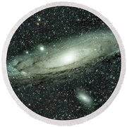 Messier 31, Andromeda Galaxy Round Beach Towel