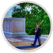 Tomb Of The Unknown Soldier Painting Round Beach Towel