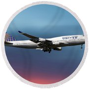 United Airlines Boeing 747-422 Round Beach Towel