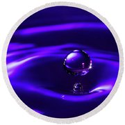 Water Drop Falling Into Water Round Beach Towel