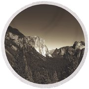 Beautiful Yosemite Valley Round Beach Towel