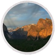 View Of Yosemite Valley From Tunnel View Point At Sunset Round Beach Towel