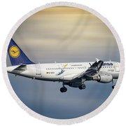 Lufthansa Airbus A319-114 Round Beach Towel