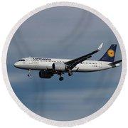 Lufthansa Airbus A320-271n Round Beach Towel