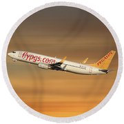 Pegasus Airlines Boeing 737-82r Round Beach Towel